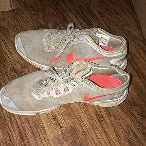 Nike shoes orange grey running 10